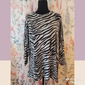 Torrid 4 Super Soft Plush Zebra Hacci Top